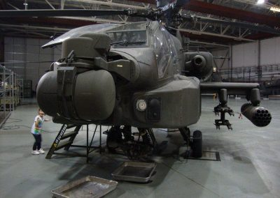A DAY TO REMEMBER GUIDED TOUR OF THE APACHE GUNSHIPS 015